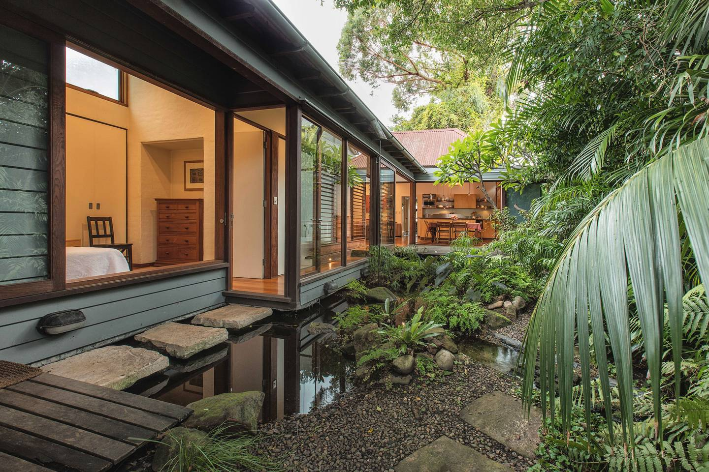 Zen Balmain Retreat near the heart of the City